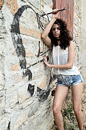 Bershka shirt - Levis shorts
