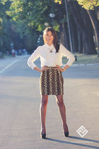 Gap shirt - vintage skirt - Mimi Boutique ring - Local store pumps