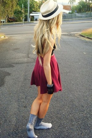 burgandy red X skirt
