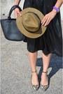 Batik-hat-vintage-skirt-zara-heels-vintage-top