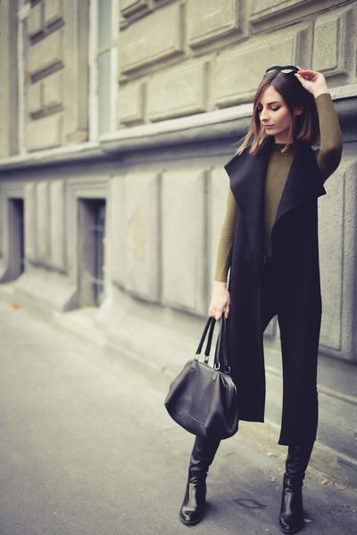 black collar scarf accessories - black Zara boots - black leather handbag bag