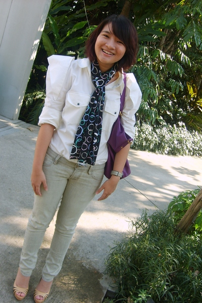 white Forward Bangkok shirt - Bahn Bangkok scarf - gray Coconut Clothing Bangkok