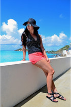 Forever 21 top - Forever 21 hat - Forever 21 shorts - rayban sunglasses