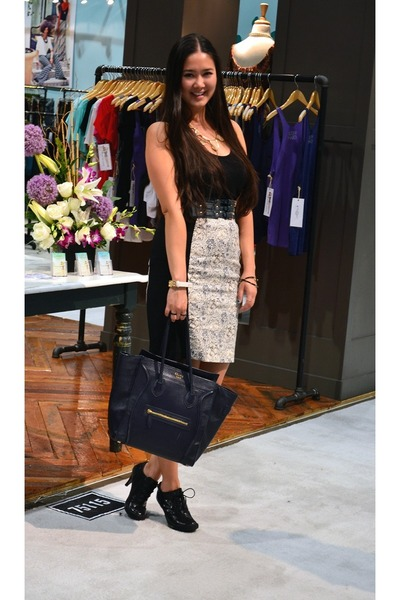 Black Tote Celine Bags, Black Floral H\u0026amp;M Skirts, Black Tank Top ...