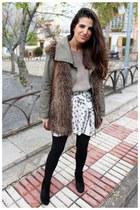 Zara boots - H&M jacket - Urban Outfitters bag - Zara skirt - Zara jumper