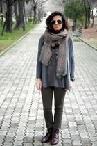 Zara scarf - Massimo Dutti boots - Zara jumper - pull&bear pants