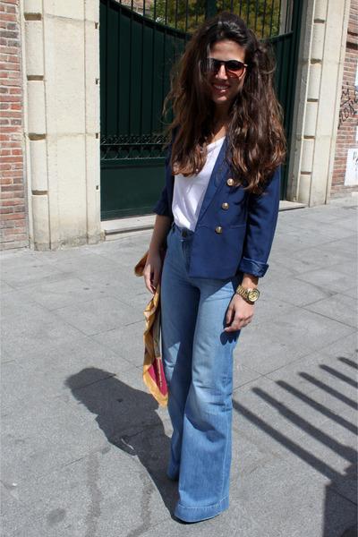 H&M blazer - Massimo Dutti jeans - Zara scarf - Zara sunglasses - Zara t-shirt