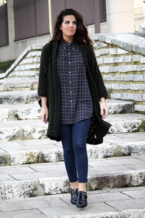 Zara jeans - Ralph Lauren shirt - Zara cardigan - Massimo Dutti flats