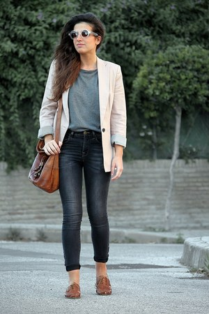 Topshop sunglasses - pull&amp;bear jeans - Zara blazer - Urban Outfitters bag