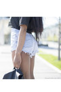 Black-backpack-asos-bag-light-blue-denim-forever-21-shorts