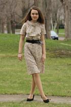 beige 1960s Wallflower Vintage dress - black thrifted vintage heels