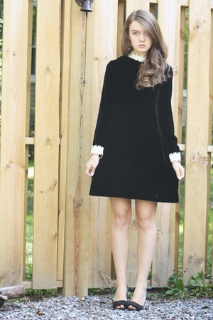 black WallflowerVintagecom dress - black thrifted heels