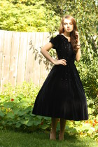 black Wallflower Vintage dress
