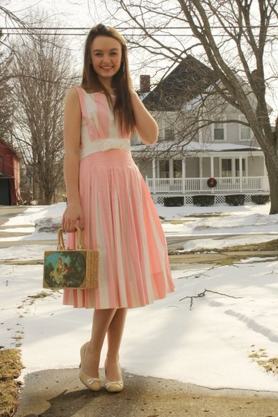 Pink Striped Cotton Wallflower Vintage Dress Tan Straw Purs