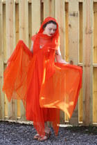 carrot orange Wallflower Vintage dress - ruby red india sandals