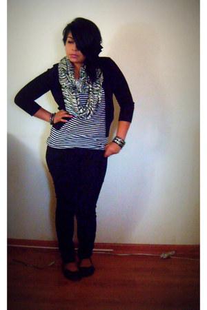 black papaya jeans - off white black and white shirt - black cardigan