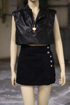 black cropped leather vintage top