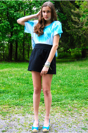 silver CAPTIV bracelet - black Old Navy skirt