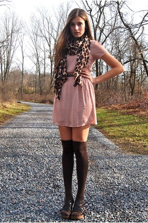 bubble gum Forever 21 dress - brown banana republic scarf - dark brown HUE socks