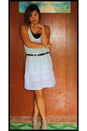 white dress - belt - nude sandals