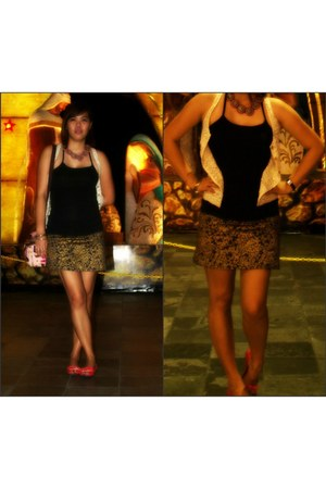 gold and blue skirt - custom made necklace - cream lace vest - red flats