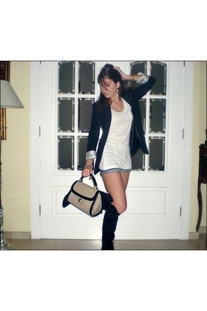 Bershka t-shirt - Primark blazer - BLANCO shorts - Primark boots - Zara purse -