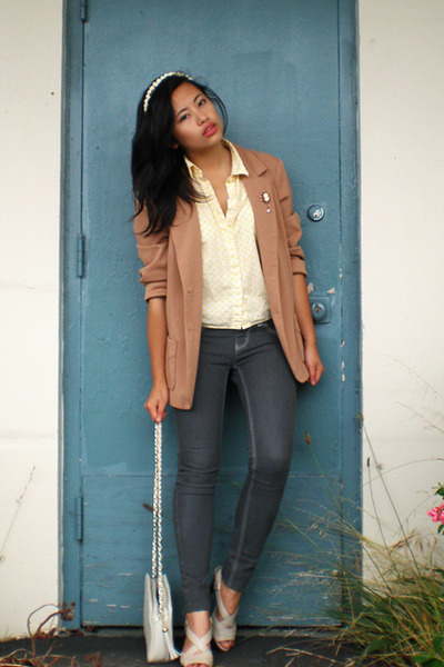 Nordstrom Rack jeans - naturalizer shoes - vintage blazer