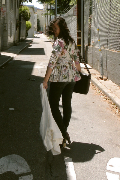 vintage blouse - Ninas jeans - SoleStruck shoes - Hugo Boss purse