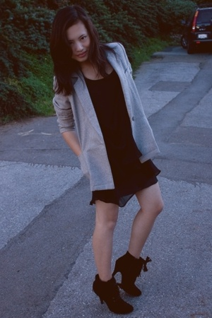 thrifted blazer - H&M dress - Urbanogcom shoes