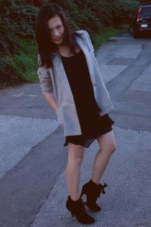 thrifted blazer - H&M dress - Urbanogcom shoes