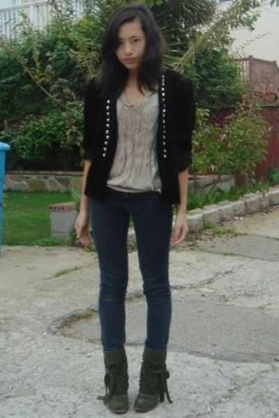 DIY jacket - unknown blouse - Ninas jeans - Urbanogcom shoes