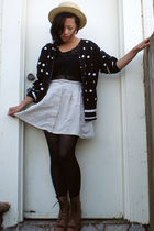 Liz Sport cardigan - vintage boots - scarf
