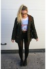 Dr-martens-shoes-vintage-coat-levis-shorts-zara-t-shirt-primark-belt