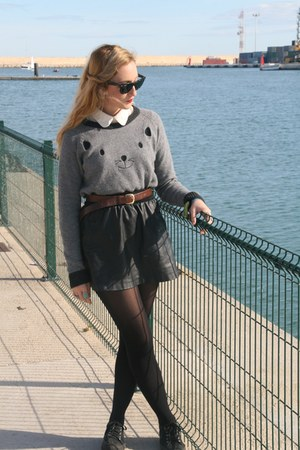 Oysho sweater - American Apparel shirt - Ray- Ban sunglasses - Coolway sneakers