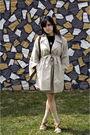 Beige-vintage-coat-brown-steve-madden-shoes-gold-vintage-skirt
