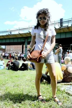 Target shirt - vintage purse