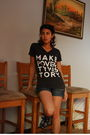Gray-makepovertyhistory-t-shirt-blue-pepe-jeans-shorts