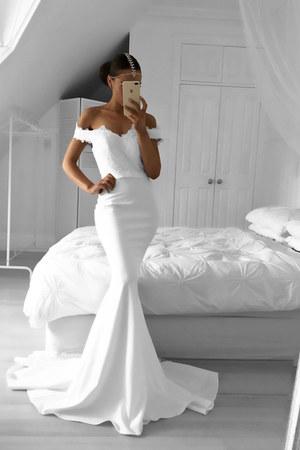 white White Runway dress