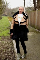 white Kenzo t-shirt - brown faux fur Juicy Couture coat - black J Brand jeans