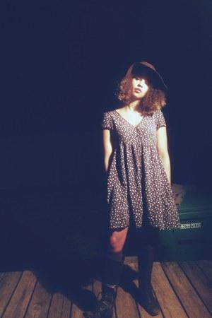 Ralph Lauren dress - Bone Dust Vintage hat