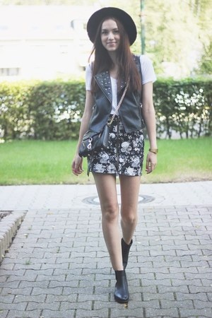 casual H&M skirt