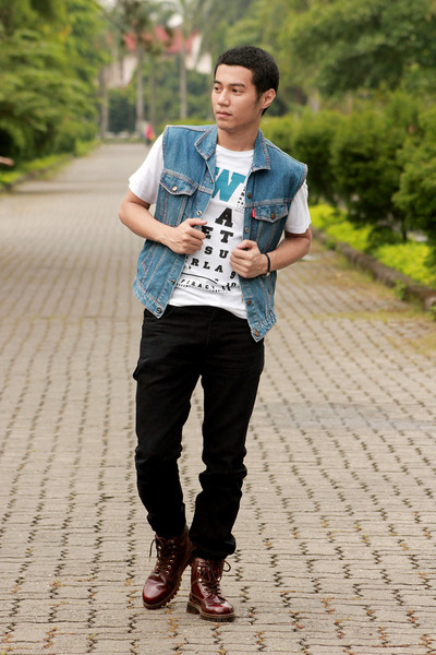denim vest - crimson boots - black jeans - white t-shirt