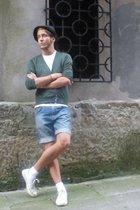 H&M hat - Zara t-shirt - Zara jacket - Hilfiger Denim shorts - Converse shoes
