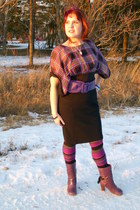 amethyst leather inge Fluevog boots - black high waisted Mexx skirt