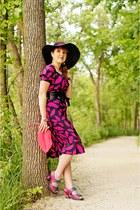 black sun hat le chateau hat - black silk lip print Diane Von Furstenberg dress