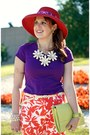 Coral-hat-lime-green-clutch-leather-bag-salmon-capris-pants