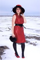 red Toucan Collection hat - red Skin Greta Constantine dress
