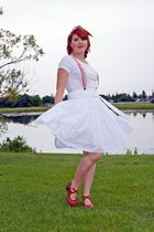 white Alfani t-shirt - ruby red Fluevog heels - white RW & Co skirt