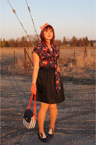 blue Jessica blouse - white straw vintage bag - navy pink tartan skirt