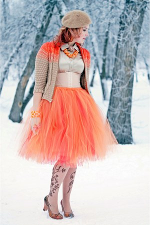 orange tulle Etsy skirt - nude floral print Anne Klein tights